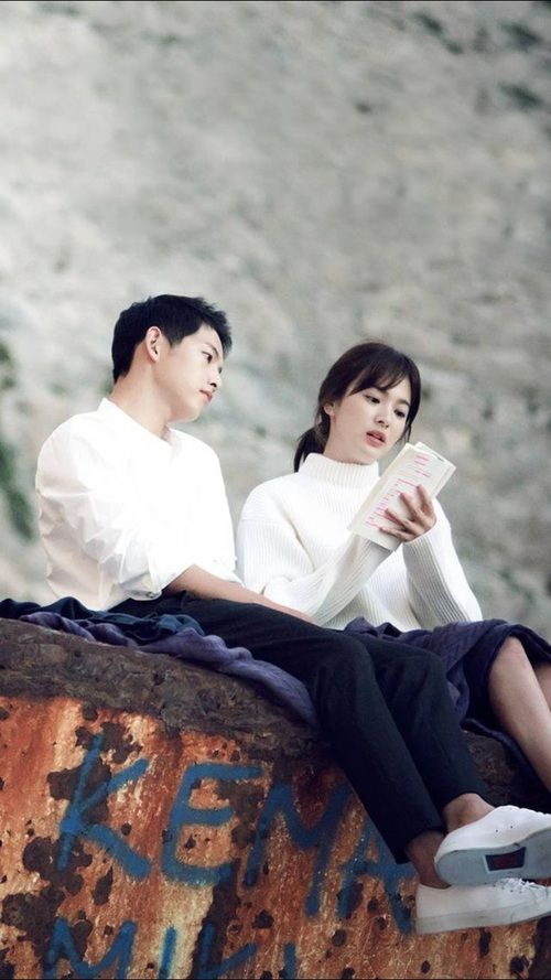 รูปภาพ descendants of the sun, dots, and song hye kyo